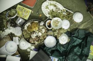 La familia Qawasmeh había preparado una cena de iftar en torno a 19:45 y todavía no había comido cuando las fuerzas israelíes irrumpieron en su casa. (Foto: Kelly Lynn)