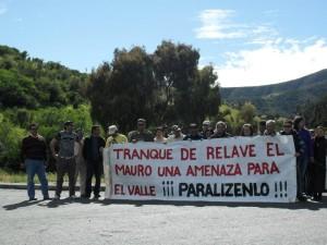 PROTESTA-EN-RUTA-A-CAIMANES-300x225